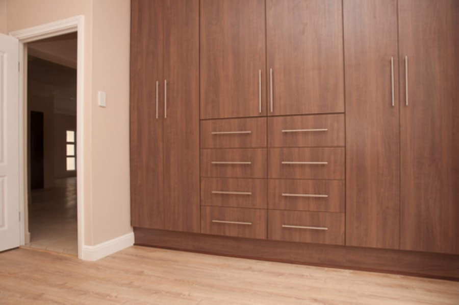 Fitted Wardrobes Carpenter Swansea Area